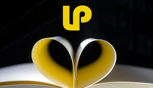 Pagine di libro piegate a cuore