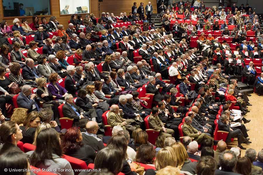 Inaugurazione a.a. 2015-2016 - Panoramica dell'Aula Magna della Cavallerizza Reale durante il discorso del Rettore