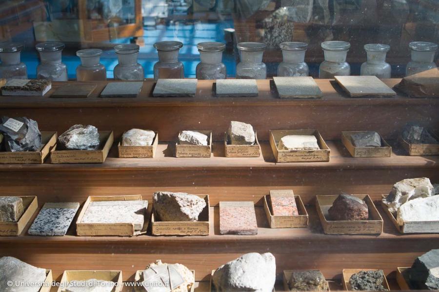 Mostra degli oggetti dal passato curata dall'ASTUT
