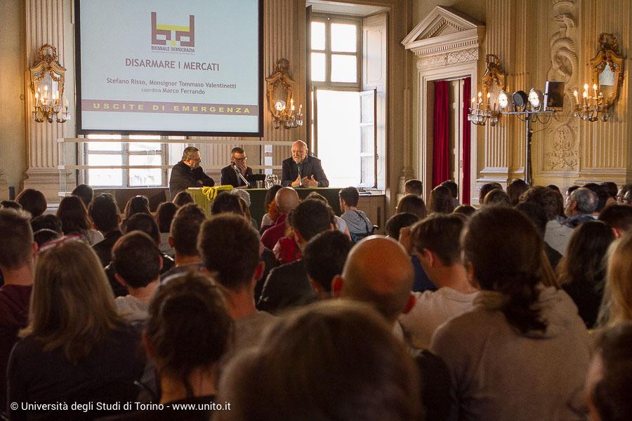Pubblico al Circolo dei Lettori per Biennale Democrazia 2017