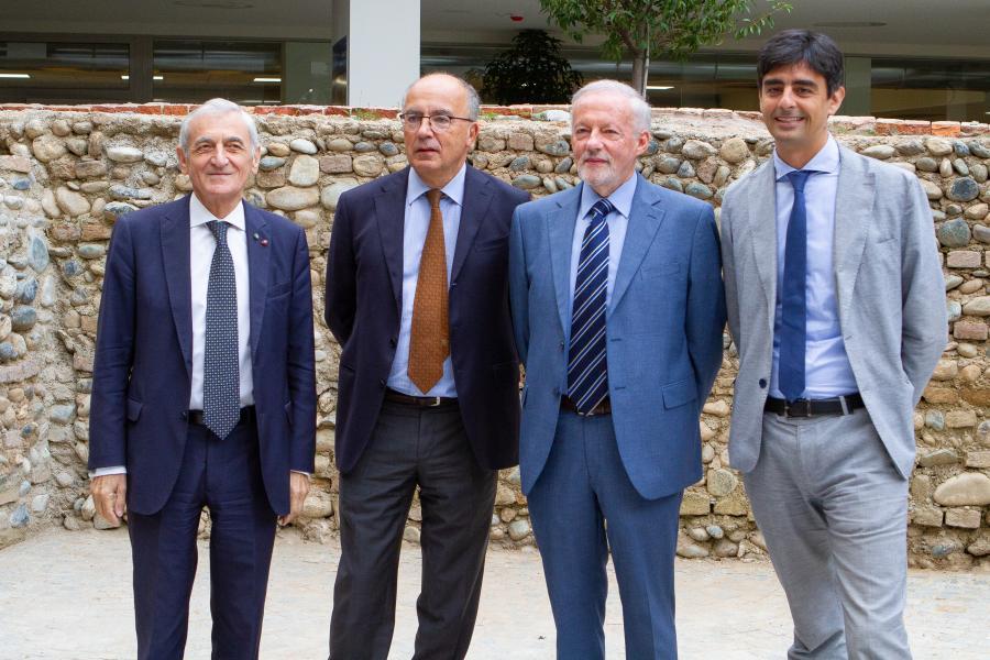Il prof. Gianmaria Ajani con altri tre docenti del Complesso Aldo Moro