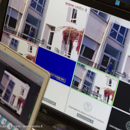 Monitor della regia multimediale dell'aula magna della Cavallerizza Reale