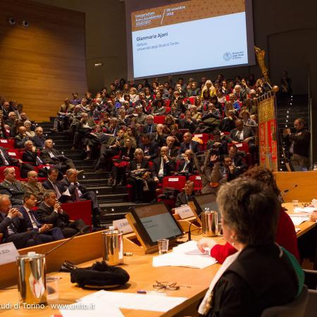 Inaugurazione anno accademico 2016-2017 - Panoramica dell'Aula Magna della Cavallerizza Reale durante il discorso del Rettore