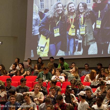 Pubblico in sala alla Biennale Democrazia 2017