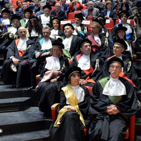 I docenti che assistono alla cerimonia