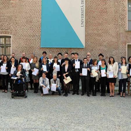 Foto di gruppo dei migliori laureati