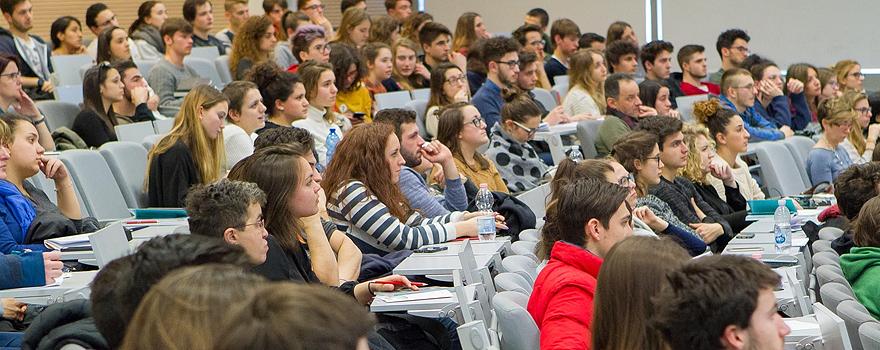 Immagine studenti in Aula
